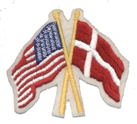 6185 - Denmark crossed USA flags souvenir embroidered patch
