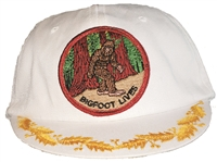 BIGFOOT LIVES child white cotton cap.