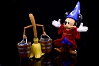 Sorcerer Mickey Mouse & The Magic Broom Hybrid Metal Action Figure Herocross HMF009 Sorcerer's Apprentice Disney