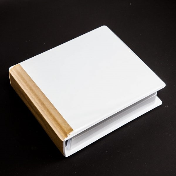 White 1-24 CD/DVD 2 ring album (7 inches tall)