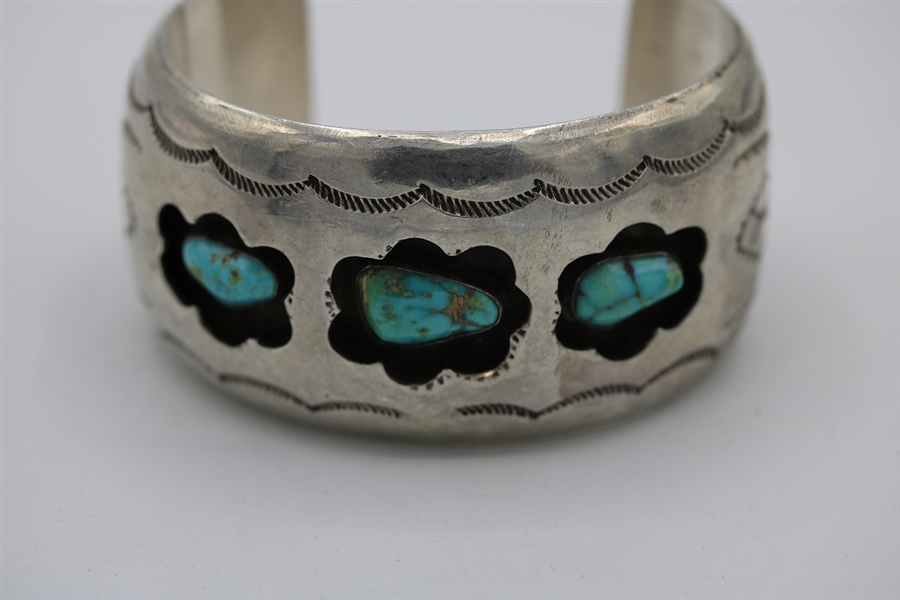 Old pawn Navajo cuff Bracelet with Kingman, sterling silver