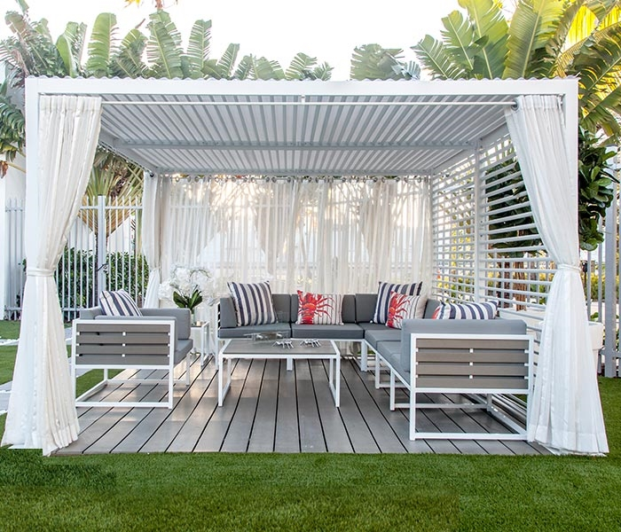 Beau Modern Large Outdoor Cabana In White