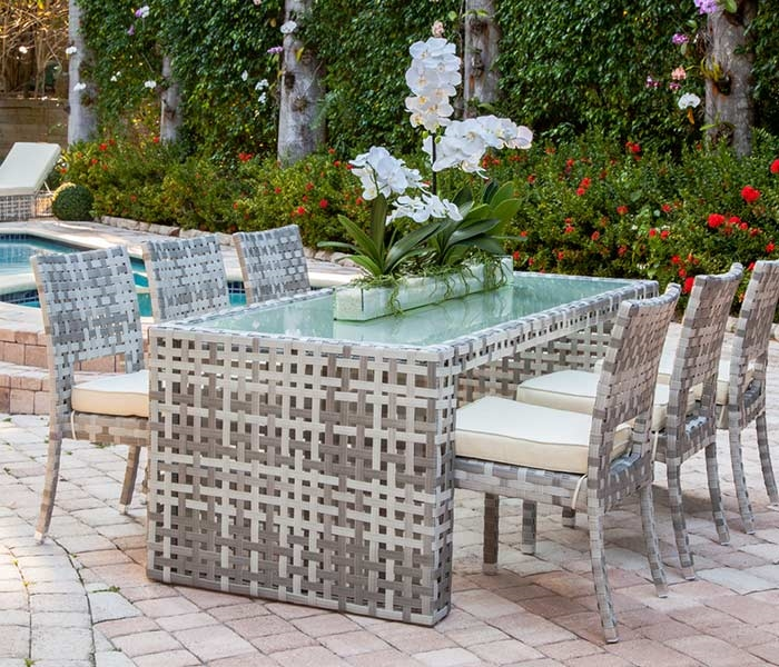 Savelli Modern Outdoor Dining