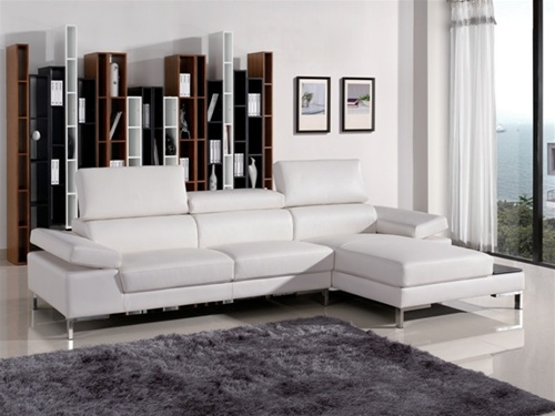 Part of the High Tech design period the Italian Styled, Rivello sectional has adjustable head and arm rests to transform the piece from formal to lounge style. The dried hardwood frame ensures strength and durability, mounted on chrome legs.