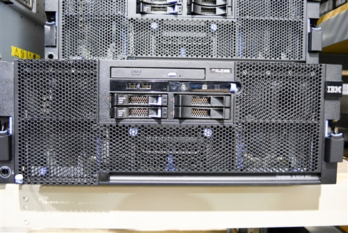 IBM SYSTEM X3850 M2 4X E7430 QUAD CORE 2 13GHz 2x 146GB SAS RACK SERVER 7233