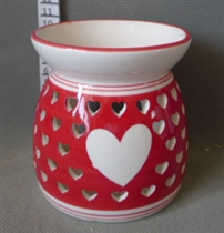 Red Heart Cutout Wax Melter / Oil Burner<p>DUE SEPTEMBER (x27)