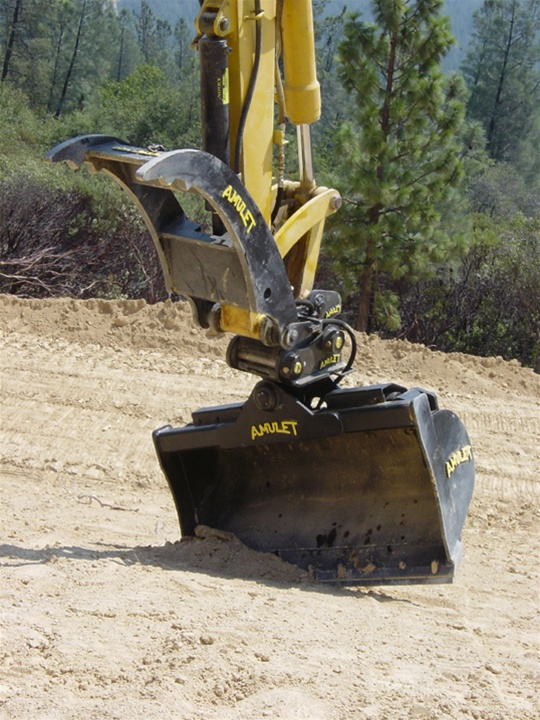 Amulet Tilt Bucket For 20 Ton Excavators 45 Degree Tilt