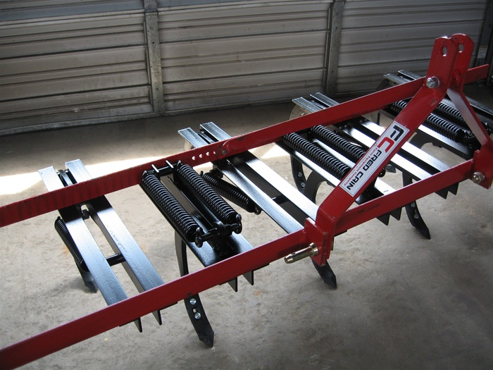 Three Point Plow : Fred cain shank field cultivator