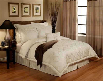 Austin Horn En' Vogue Glamour Pearl 4-piece Luxury Comforter Set