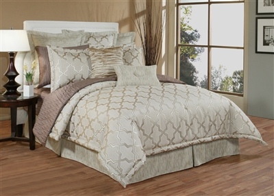 Austin Horn En' Vogue Glamour Quartz 4-piece Luxury Comforter Set