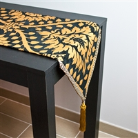 Sherry Kline Havard Table Runner