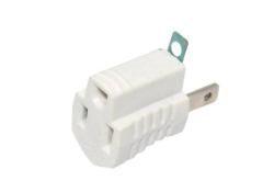 Cooper Wiring 419W Grounding Outlet Adapter With Grounding Lug