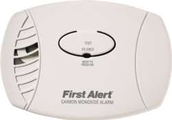 First Alert CO600 Plug-In Carbon Monoxide Detector