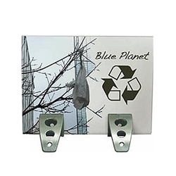 The Spider Feet Stand Up Display is a quick and easy sign display to recommend to your customers. The steel constructed feet offer a heavy-duty design and a high-performance look like no other displays. So easy to use, simply insert a rigid sign
