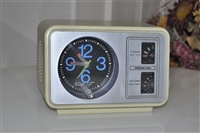 Soundesign AM radio alarm clock electric