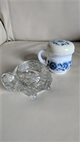 Avon jar Delft and glass turtle candle holder set