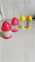 Ball point Rocket shaped plastic shakers set