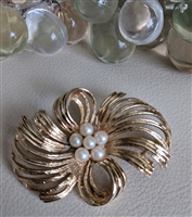 M Jent shimmering gold tone brooch with faux pearl