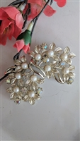 Costume jewelry sparkly floral faux pearl brooch