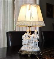 Boudoir vintage accent lamp with shade