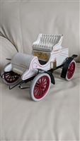 1903 Cadillac ASI Ameretto Decanter white 1997
