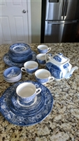 Liberty Blue by STAFFORDSHIRE set 33 items teapot
