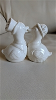 Porcelain kissing ducks Japanese set of shakers