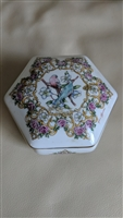 Heritage House Valentine Serenades music box 1992