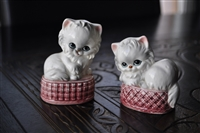 Kitty Cats salt and pepper shakers Japan