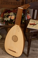 Roosebeck Deluxe 8-Course Lute, Padded Nylon Case