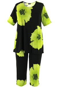 Short Sleeve Capri Set - green big flower print - poly/spandex