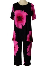 Short Sleeve Capri Set - pink big flower print - poly/spandex