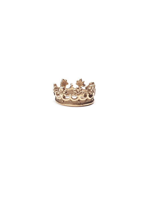 Let the regal reign when you wear a true circle of love!  The Crown Ring by Saint Vintage.  The only thing better than one crown; is two! Size 7