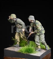 RADO MIniatures, Waffen SS, 5.SS-Pz.Div., Poland 1944, SET OF 2 FIGURES, Under Fire series, 1/35 scale resin figure.
