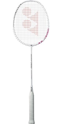 Yonex new trainning racket for player who want heavy weight badminton racket for play. The Iosmetric TR1 is wegithed 118gr vs 3U(80-85gr) Its added weight help player to training arm muscle to achieved powerful smash and other stroke. Special head cover h