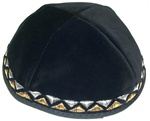 Velvet kippah in black with beautiful gold and silver stitched design