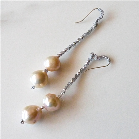Mela Earrings F07