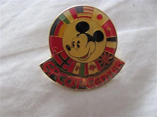 China! Disney Pin Epcot *World Showcase Flags* 2018 Mickey Icon Series