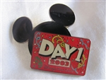 Disney Trading Pins  18943: Disney Visa Card - Day 1 2003 Member