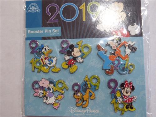2020 Booster Mickey Minnie Goofy Donald Pluto Chip /& Dale Fab 5 Disney 6 Pin Set