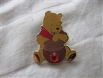 Disney Trading Pin  8924 12 Months of Magic - Birthstone Pooh (Garnet/January)