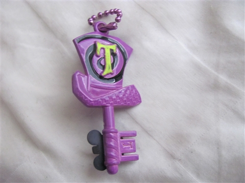 DLR Mad T Party 5 Pin Key Set Heart Key Disney Pin 93697