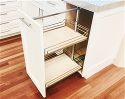 1 door base cabinet with pullout (HAFELE base pullout 2, 2 x shelves included)