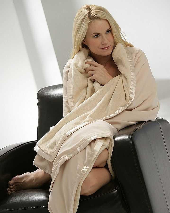 Luxury Microfiber Throw Blanket Softest Blankets Online Unique Softest Throw Blanket In The World