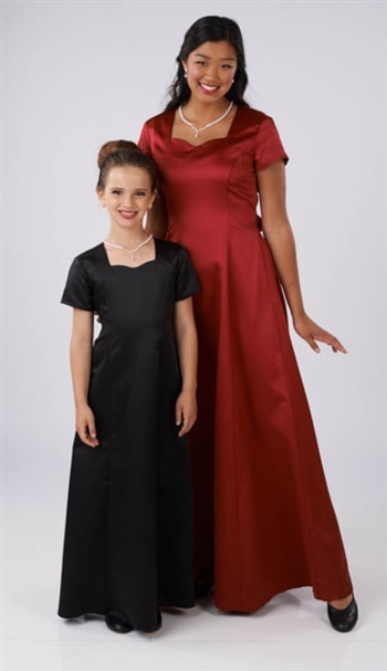 Sarah Sweetheart Neckline is a High performance satin gown with sweetheart neckline and