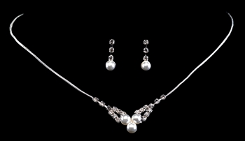 Rhinestone & Pearl Necklace Set