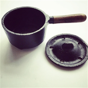 Cast Iron Resin Cauldron with handle