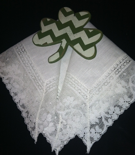 Wedding Handkerchiefs For The Family: Irish Linen & Shamrock Lace Pale Ivory Wedding