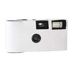 Let your guests help you capture memories from your special day with this simple-to-use 35mm disposable wedding camera.