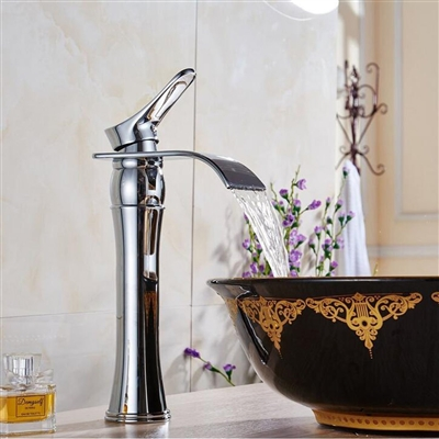 Burgos Single Handle Bathroom Sink Faucet with Drain